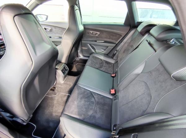 Seat Leon ST Cupra 300 4drive DSG 2,0 TSI 221kW